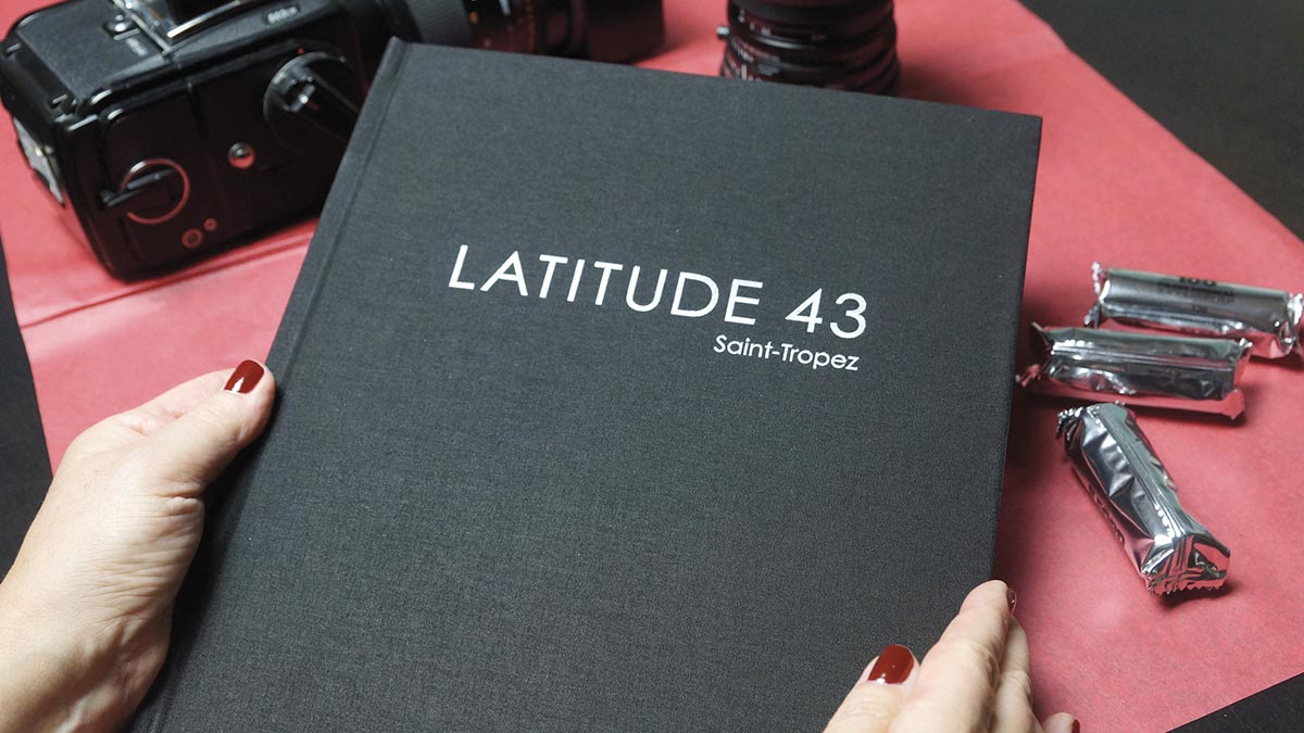 Latitude Action Img01